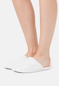 South Beach - Domácí obuv - white - 0