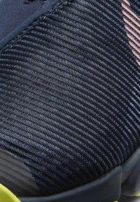 Nike Performance - AIR ZOOM SUPERREP 2 UNISEX - Sportovní boty - blackened blue/bright mango-cyber - 6