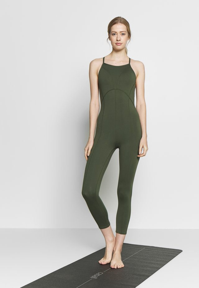 SIDE TO SIDE PERFORMANCE - Gym suit - green
