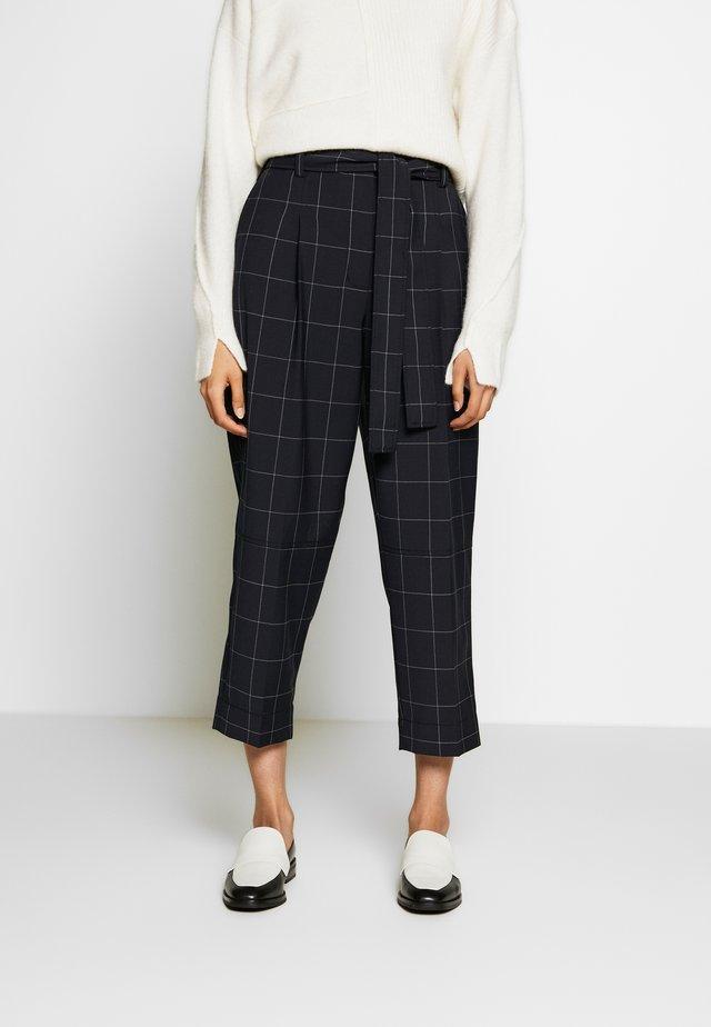 WINDOW PANE MENSWEAR STYLE PANT - Pantaloni - midnight grey