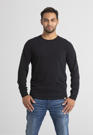 LIMITED TO 360 PIECES - Longsleeve - black