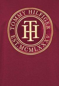 Tommy Hilfiger - REGULAR - Sweatshirt - deep rouge - 2