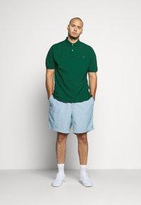 Polo Ralph Lauren Big & Tall - CLASSIC FIT PREPSTER - Shorts - light blue - 1