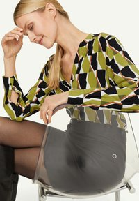 comma - Blouse - spring green big graphic - 3