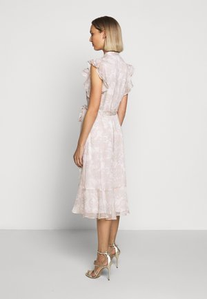 CRINKLE DRESS - Shirt dress - mascarpone cream