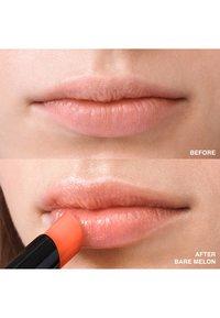 Bobbi Brown - EXTRA LIP TINT  - Rouge à lèvres - melon 2 - 5