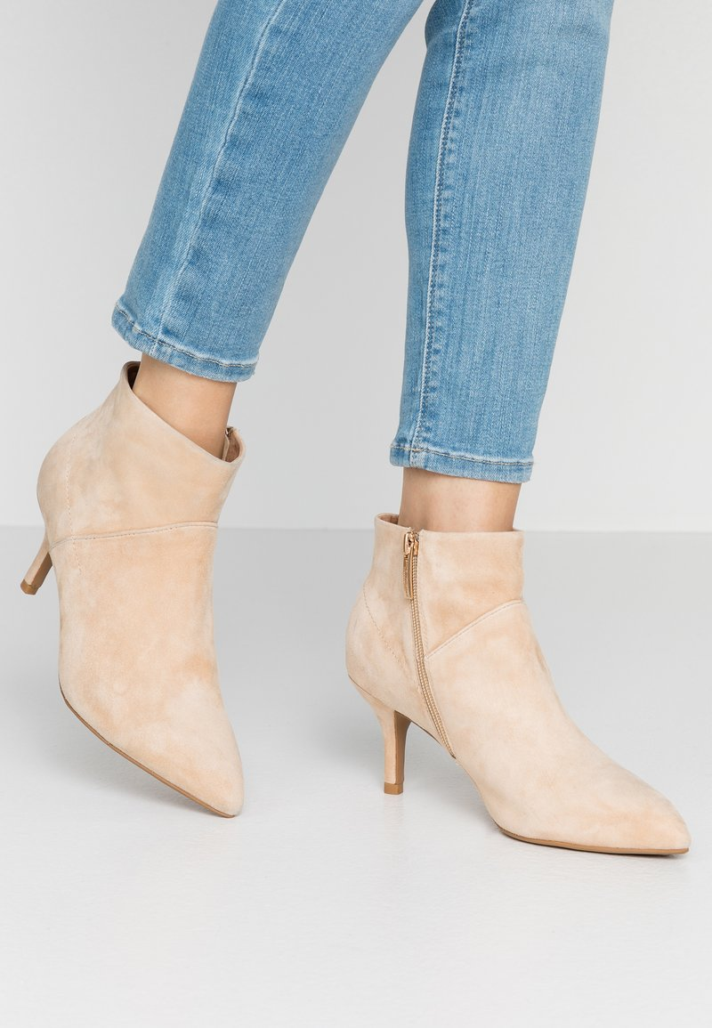Shoe The Bear - VALENTINE  - Ankle boots - nude