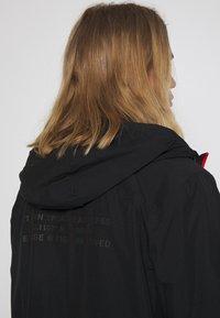 Ellesse - BOLAZIONI WINDRUNNER - Summer jacket - black - 4