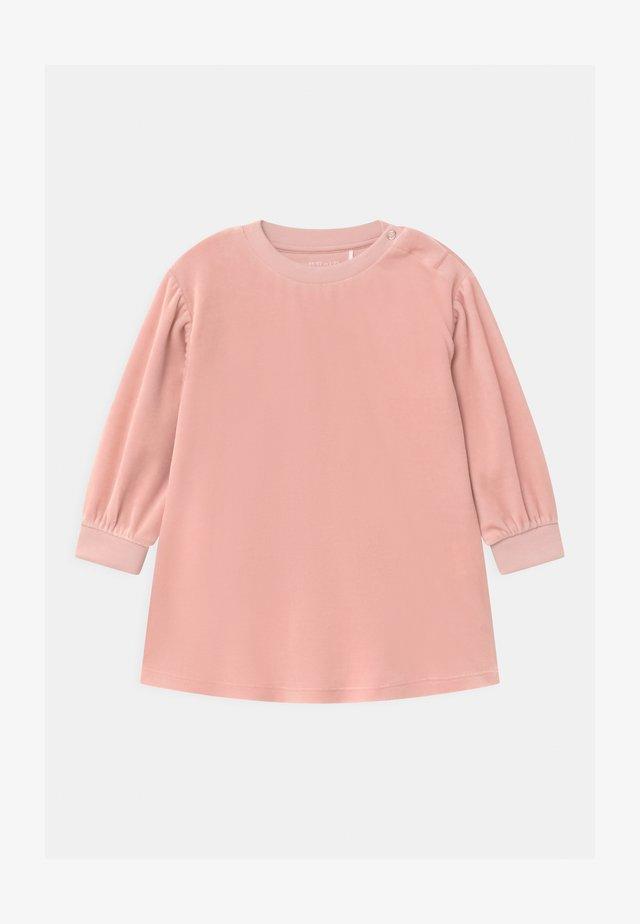 Korte jurk - pink medium