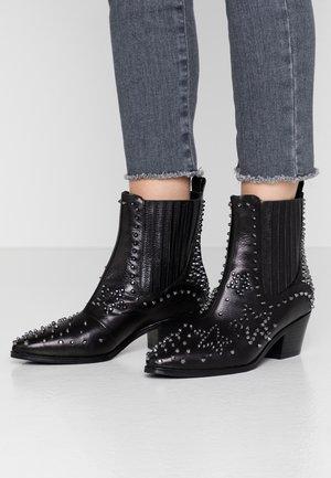 BONNIE - Kovbojské/motorkářské boty - black