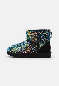 UGG - CLASSIC MINI STELLAR SEQUIN - Classic ankle boots - black - 1