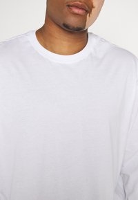 Only & Sons - ONSLUIGI LIFE TEE - Long sleeved top - white - 7
