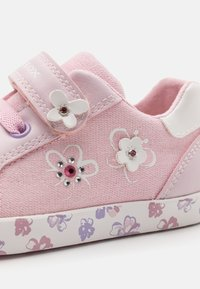 Geox - KILWI GIRL - Zapatillas - pink - 5