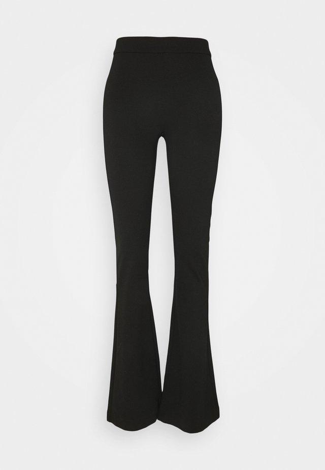VMKAMMA FLARED PANT - Pantalones - black