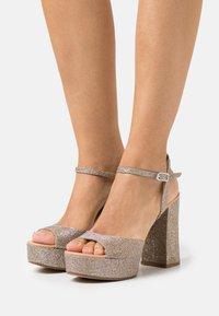 Unisa - VEGARA - Platform sandals - mumm/sunta - 0