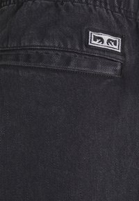 Obey Clothing - EASY BIG BOY PANT - Relaxed fit -farkut - faded black - 2