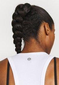 Cotton On Body - LAYERING CROP TANK - Top - white - 4
