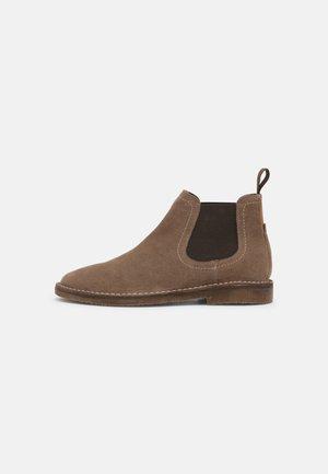 CHARLIE - Kotníkové boty - taupe