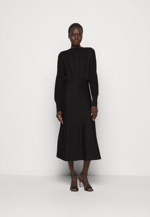 PROCIDA - Sukienka dzianinowa - black
