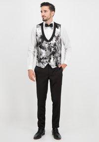Prestije - Suit jacket - silber - 2