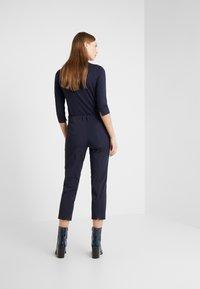 RIANI - Pantalones - deep blue - 2