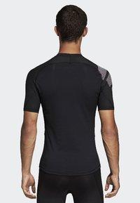 adidas Performance - ALPHASKIN BADGE OF SPORT TEE - T-shirt z nadrukiem - black - 1