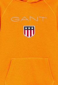 GANT - SHIELD LOGO HOODIE UNISEX - Hoodie - russet orange - 2