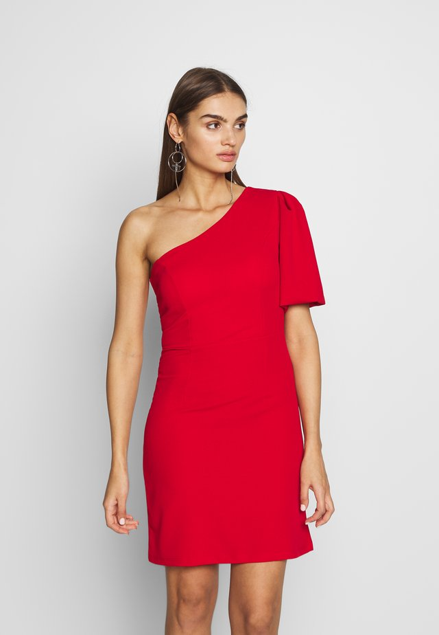 ONE SHOULDER BELL SLEEVE DRESS - Sukienka koktajlowa - red