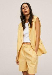 Mango - Shorts - pastel yellow - 3