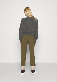 Even&Odd - TAPERED PANTS WITH DART DETAIL  - Trousers - olive - 2