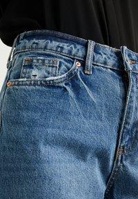 Miss Selfridge Petite - MOM - Straight leg jeans - blue - 4