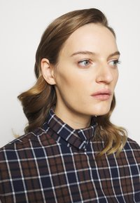 Victoria Beckham - RUFFLE - Button-down blouse - brown/navy - 5
