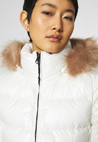 Calvin Klein - ESSENTIAL JACKET - Down jacket - snow white - 7