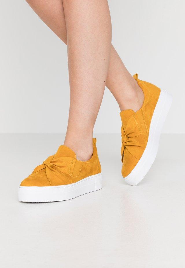 Mocasines - saffron