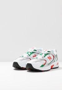 New Balance - MR530 - Trainers - white/green/orange - 4