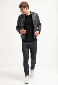 G-Star - REVEND SKINNY - Jeans Skinny Fit - black pintt stretch denim - 1