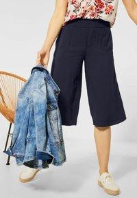 Street One - LOOSE FIT MIT WIDE LEGS - Shorts - blau - 1