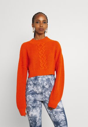 CROPPED CABLE JUMPER - Jumper - rust