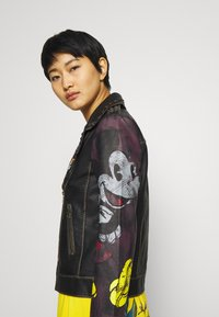 Desigual - CHAQ_COVENT GARDEN MICKEY - Faux leather jacket - black - 5