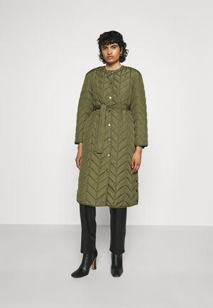 PCFAWN LONG QUILTED  - Cappotto classico - winter moss