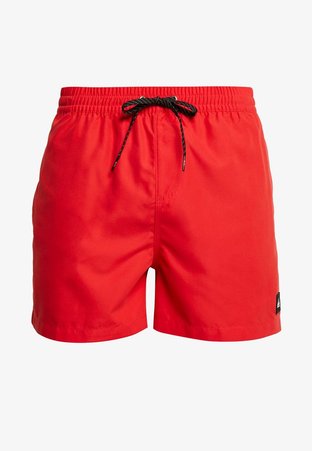 Badeshorts - high risk red