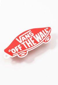 Vans - OLD SKOOL ELASTIC LACE - Matalavartiset tennarit - racing red/true white - 6