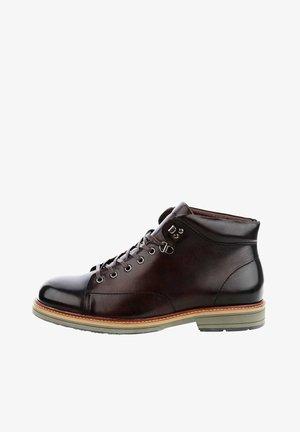 DEZZO - Sznurowane obuwie sportowe - brown
