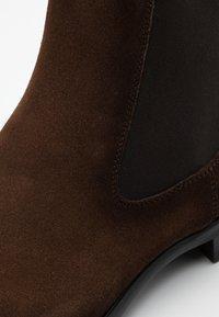 Magnanni - MADISON MARRON - Classic ankle boots - caoba - 3