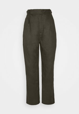 TAPER IN TROUSERS - Trousers - army