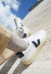 Veja - URCA - Sneakers basse - white/nautico/butter - 2