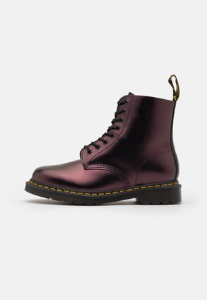 1460 PASCAL UNISEX - Veterboots - red chroma