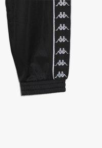 Kappa - FERGUS - Pantalones deportivos - caviar - 4