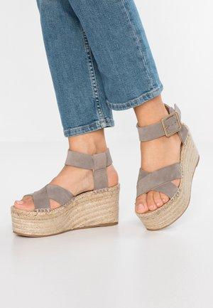 KAILUA - Sandaler med høye hæler - stone