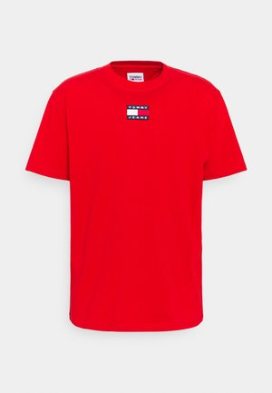 BADGE TEE UNISEX - Basic T-shirt - deep crimson
